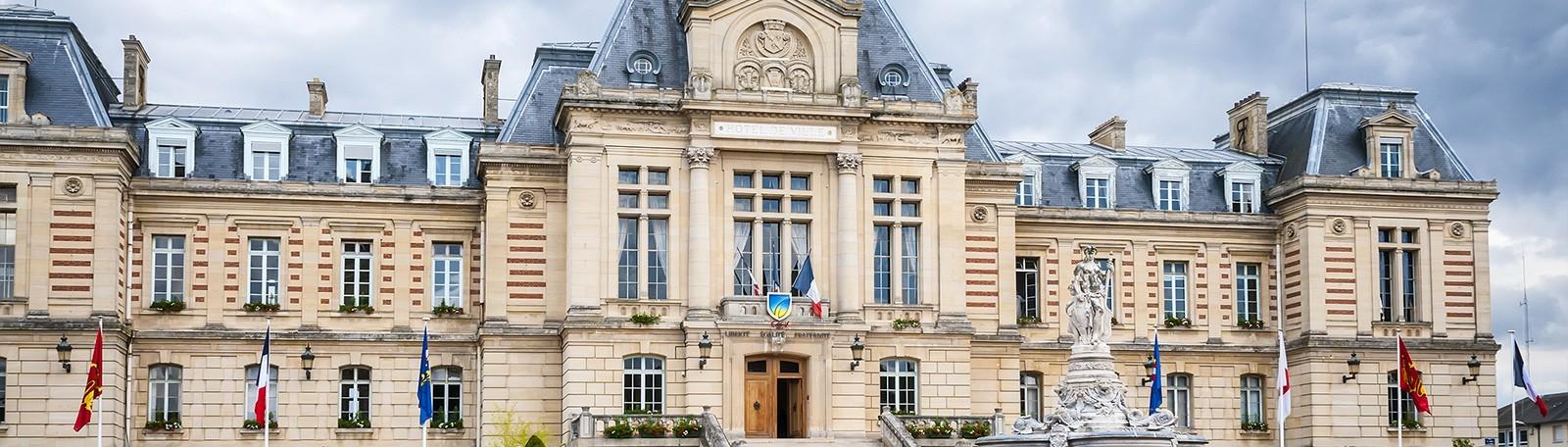 Parking Hôtel de Ville - Parkeren in Evreux   Q-Park