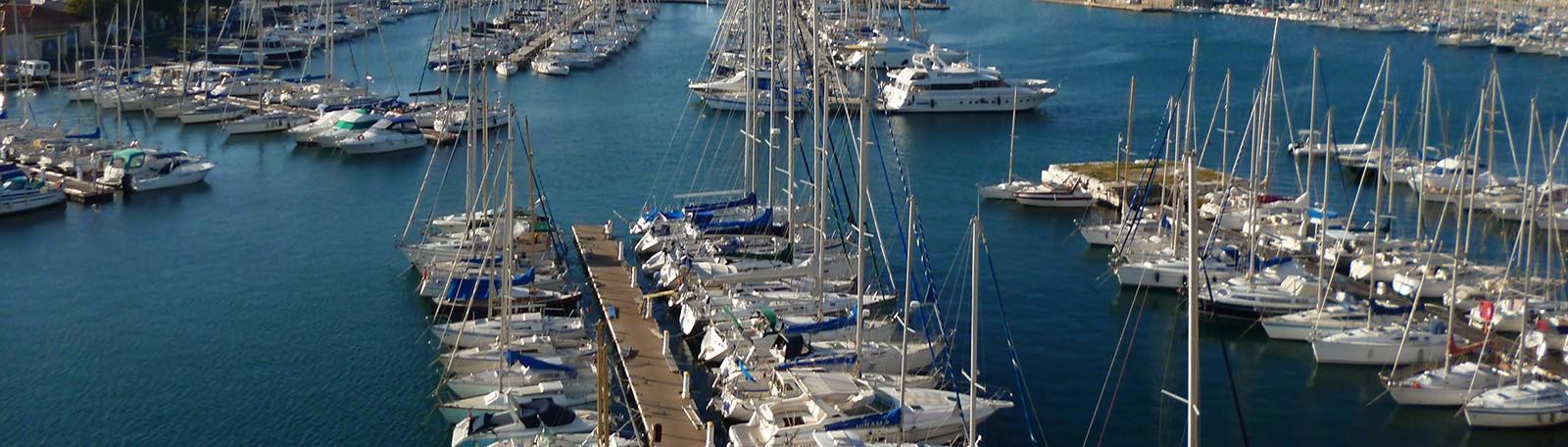 Stationner à Toulon Place d'Armes Le Port
