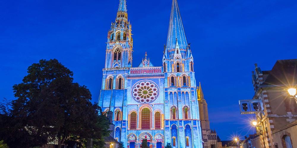 Chartres in lichten