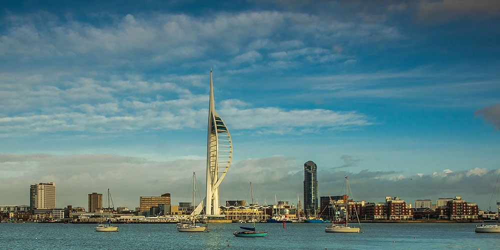 Portsmouth en Spinnaker Tower in Engeland