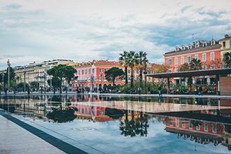 Rijd naar Nice om zijn beroemde carnaval te ontdekken!